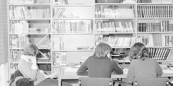 4-Tegel-bibliotheek_uitsnede
